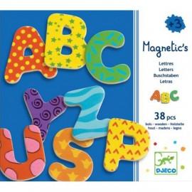 38 grandes lettres fantaisie magnétiques Djeco
