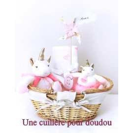 Panier naissance Lucie la licorne rose et or
