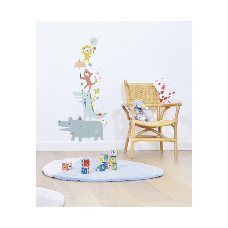 Toise adh sive b b animaux lilipinso pour chambre d 39 enfant for Toise chambre bebe