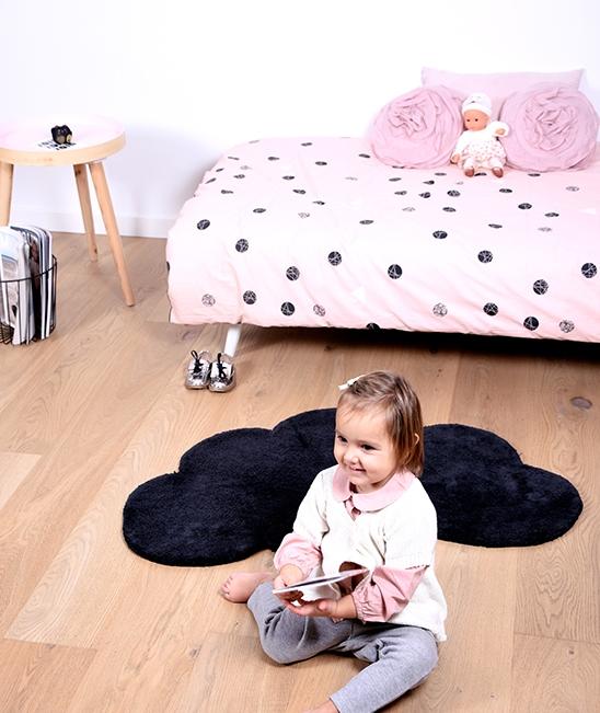 tapis en forme de nuage noir lilipinso. Black Bedroom Furniture Sets. Home Design Ideas